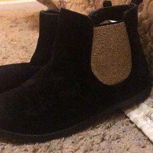 Girls black fancy boots only worn a few times